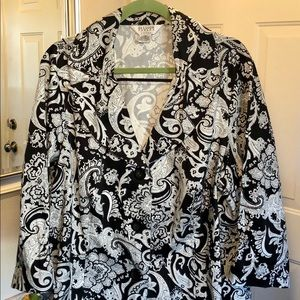 Super cute black and white Paisley top